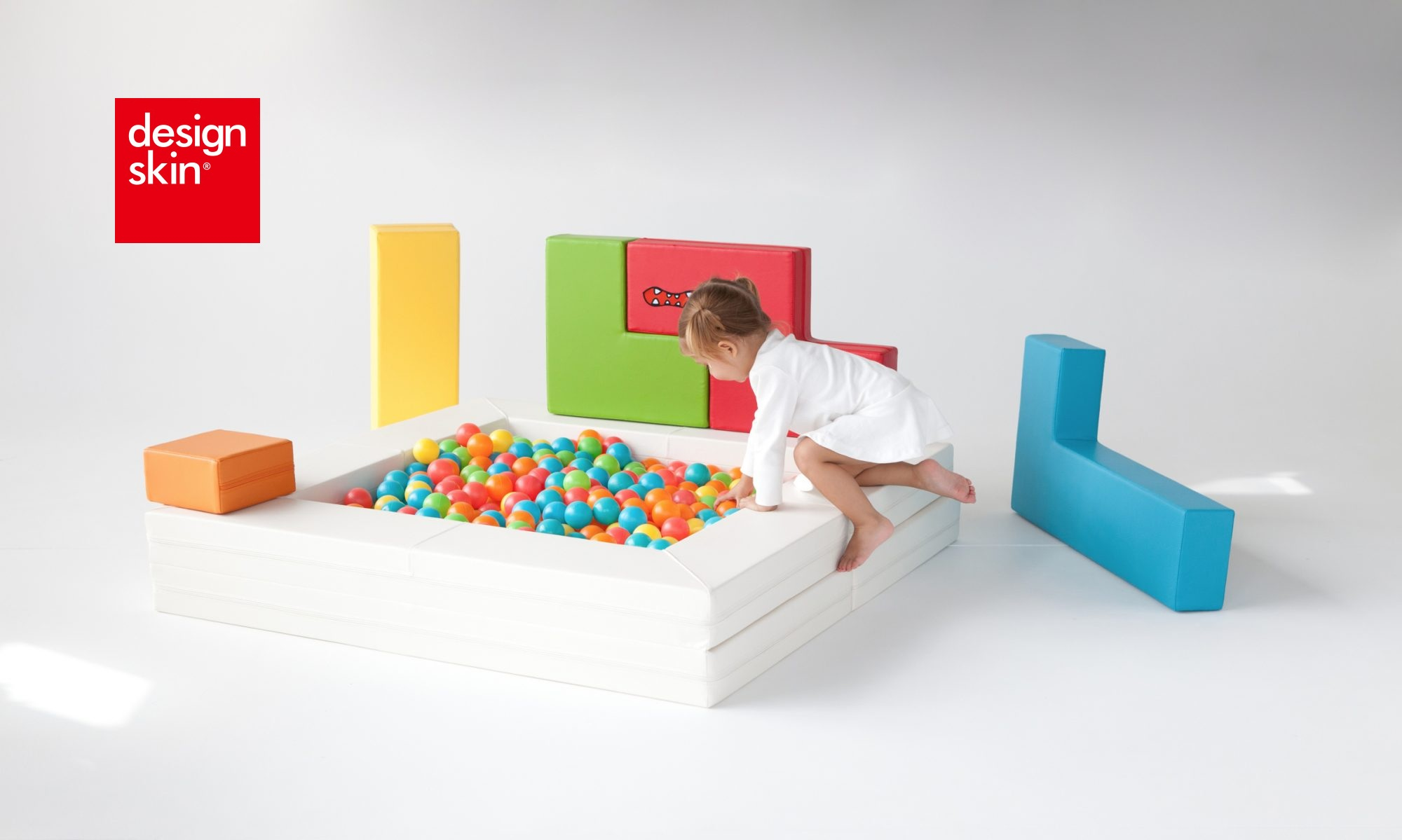 cropped-tetris_sofa_1
